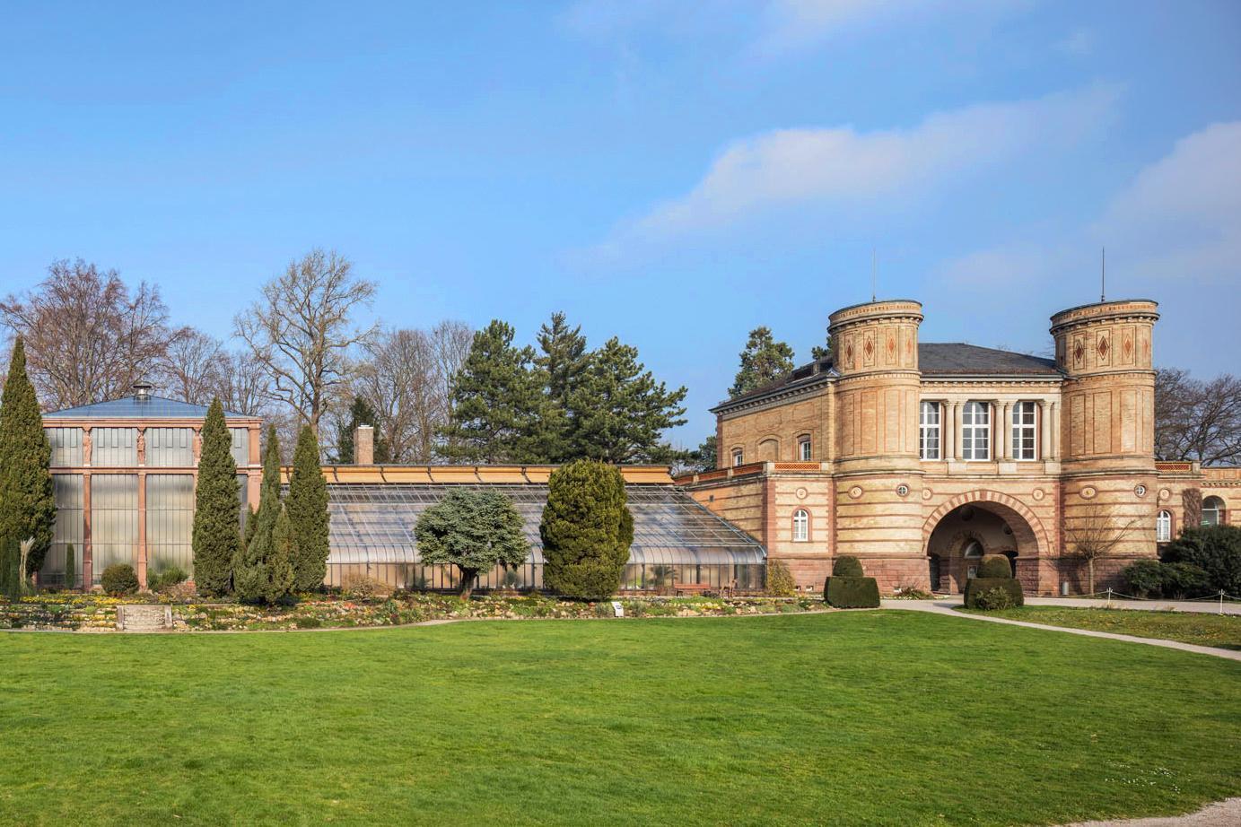 Karlsruhe Botanical Gardens, gatehouse. Image: Staatliche Schlösser und Gärten Baden-Württemberg, Dirk Altenkirch