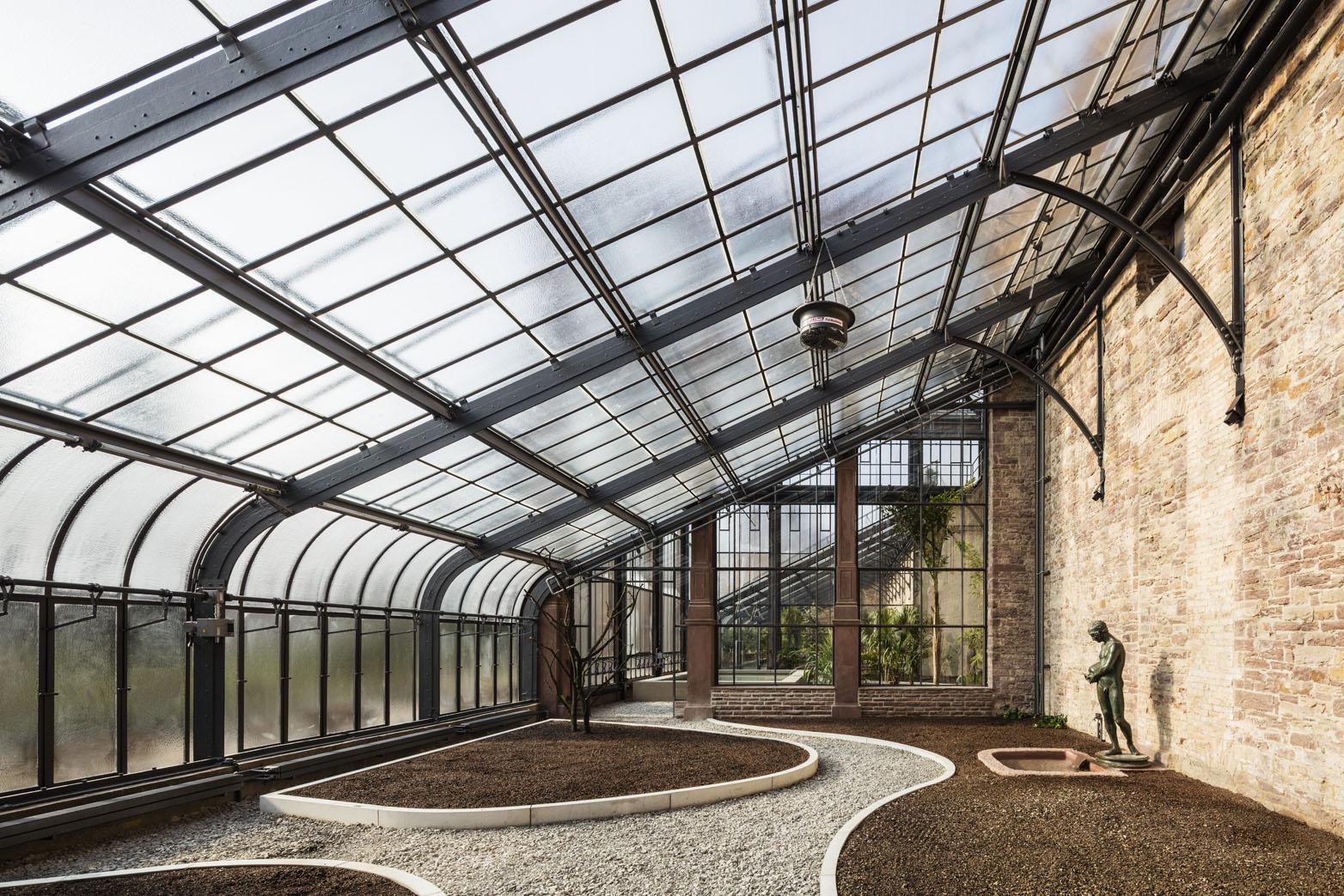 Botanischer Garten Karlsruhe, neues Schauhaus noch ohne Bepflanzung
