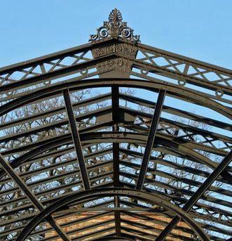 Typische Stahlkonstruktion
