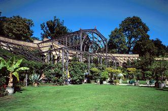 Botanischer Garten Karlsruhe; Wintergarten von aussen